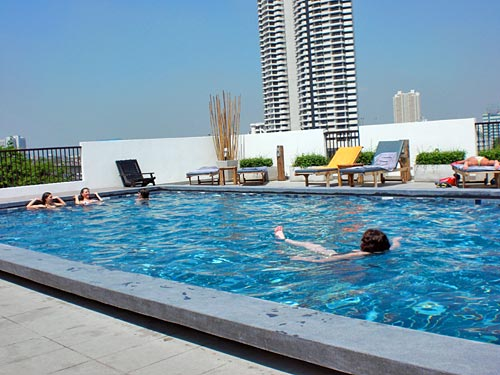 Ein Pool des Boutique-Hotels in Bangkok