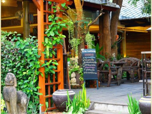 Restaurantbereich im Hotel in Kanchanaburi